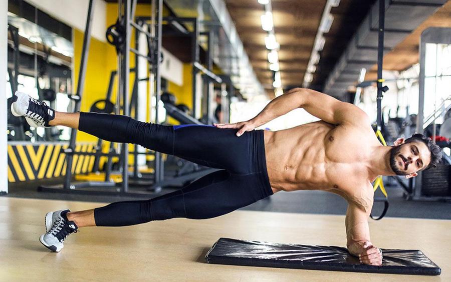 Kiên trì tập luyện để có cơ bụng số 6