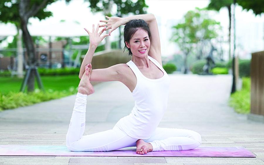 Yoga by Sophie là ai?