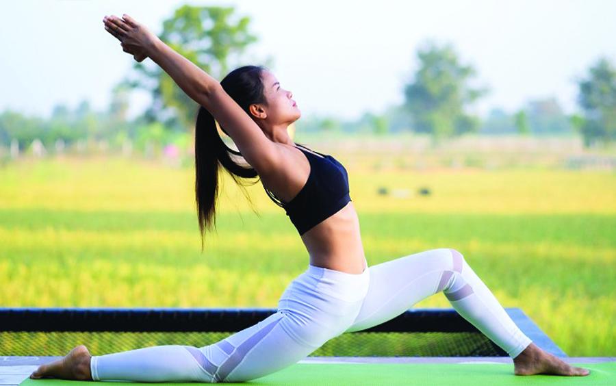 Vì sao Yoga giúp chúng ta giảm được mỡ bụng