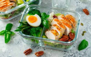 Bổ sung đầy đủ chất dinh dưỡng trong thực đơn mỗi ngày