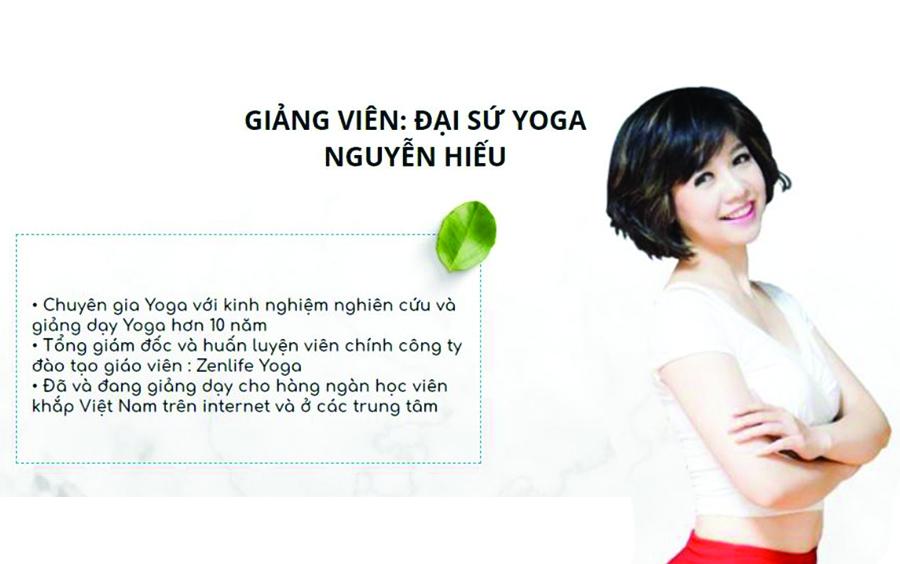 Nguyễn Hiếu được mọi người biết đến là người phụ nữ hướng dẫn dạy yoga