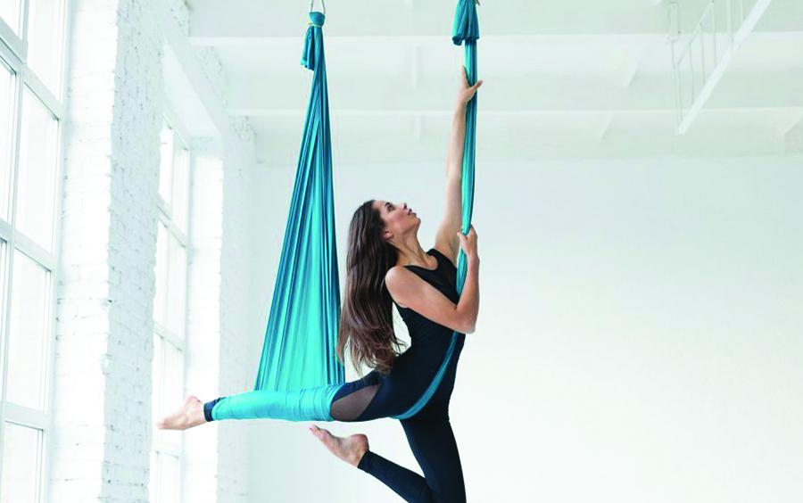 Aerial yoga là một trong những khóa học thu hút nhiều học viên