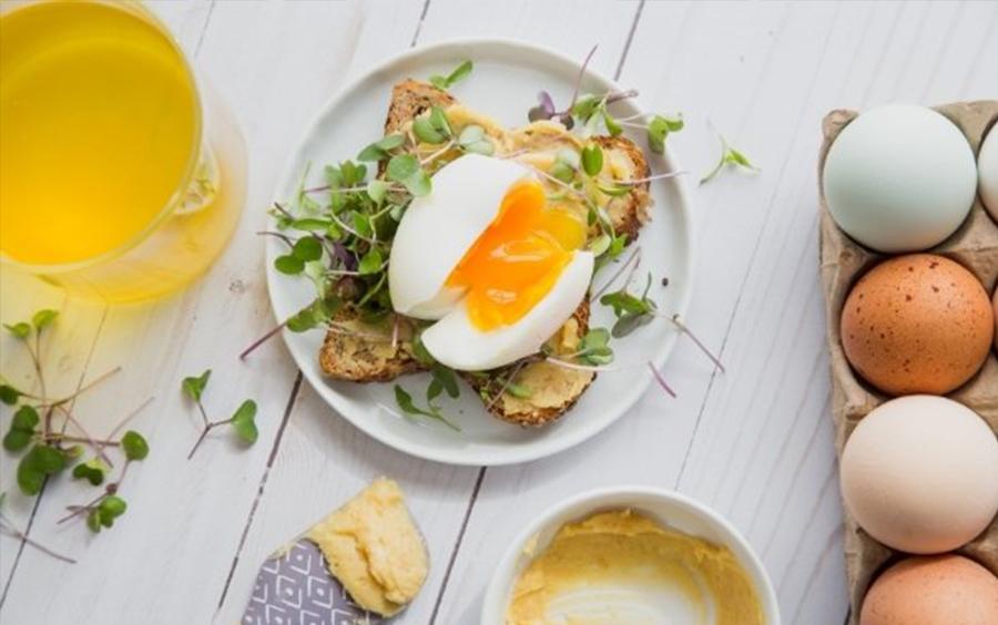 Trứng là nền tảng của chế độ ăn kiêng, giúp tăng cường cơ bắp, hỗ trợ sức khỏe