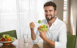 Nên hay không ăn kiêng giảm mỡ bụng cho nam?