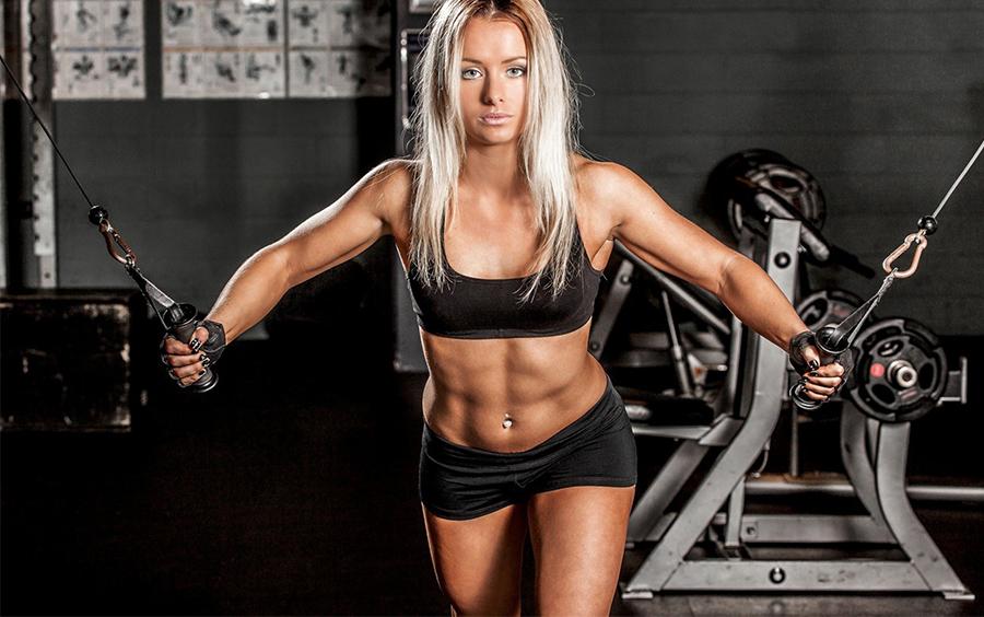 Nữ giới tập gym mục đích tăng cơ