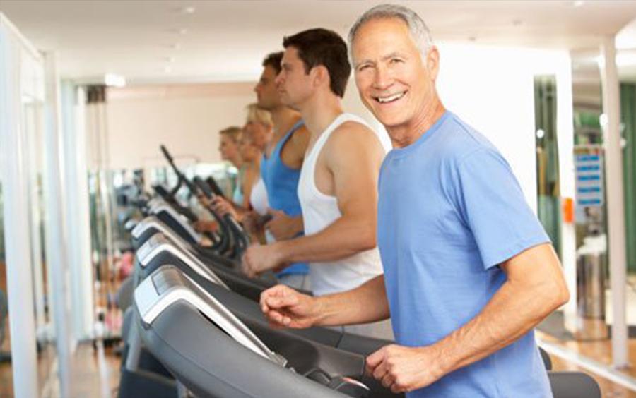 Bài tập chạy bộ bằng máy chạy cho người trên 50 tuổi