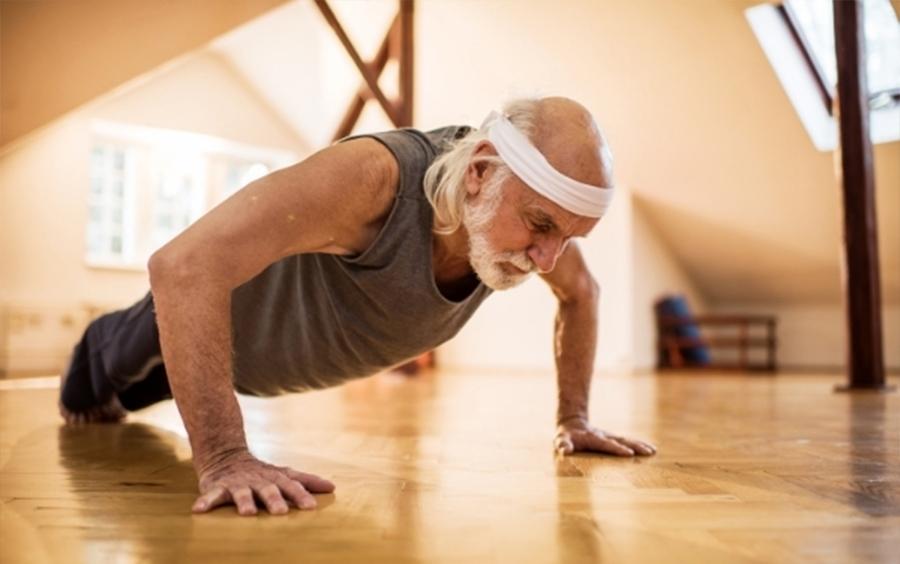 Bài tập plank cho người trên 50 tuổi