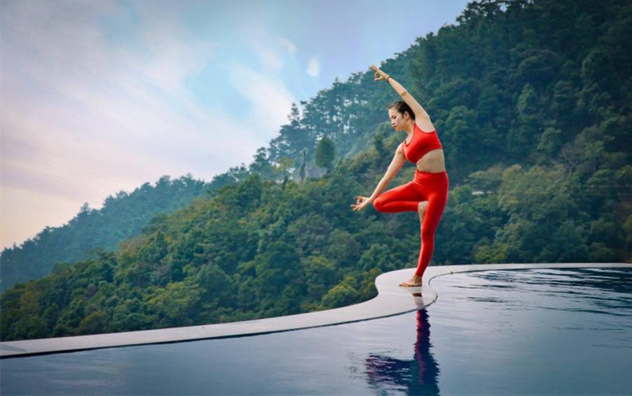 Tập yoga với nhạc yoga thiên nhiên