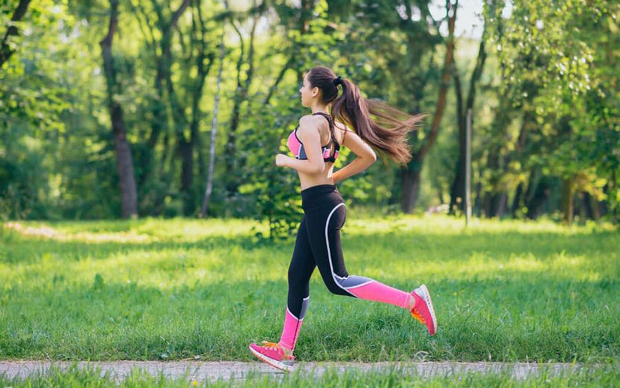 Chạy bộ được coi là bài cardio cực kì hiệu quả giúp đốt cháy calo