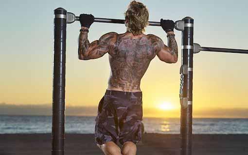Cơ bắp cuồn cuộn nhờ áp dụng lịch tập gym cho nam tăng cân
