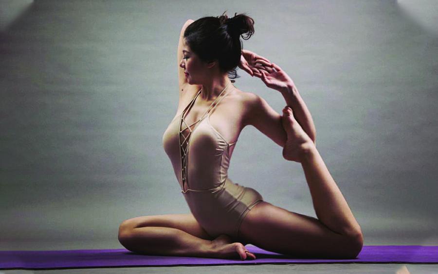 Tạo thói quen 10 phút tập Yoga mỗi ngày.