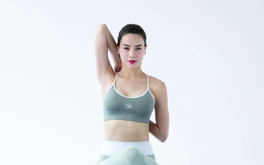 Yoga Hồ Ngọc Hà bật mí bí quyết giữ dáng